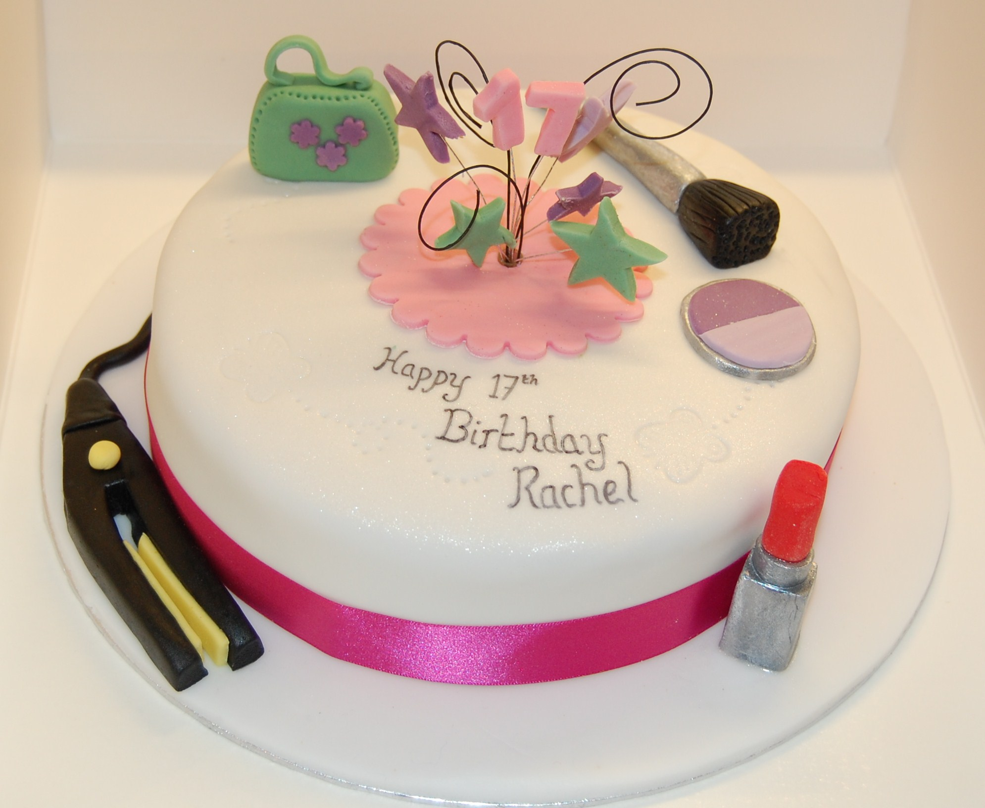 Tremendous Hair And Beauty Cake For The Birthday Girl Turning 17 Hours Of Fun Personalised Birthday Cards Paralily Jamesorg