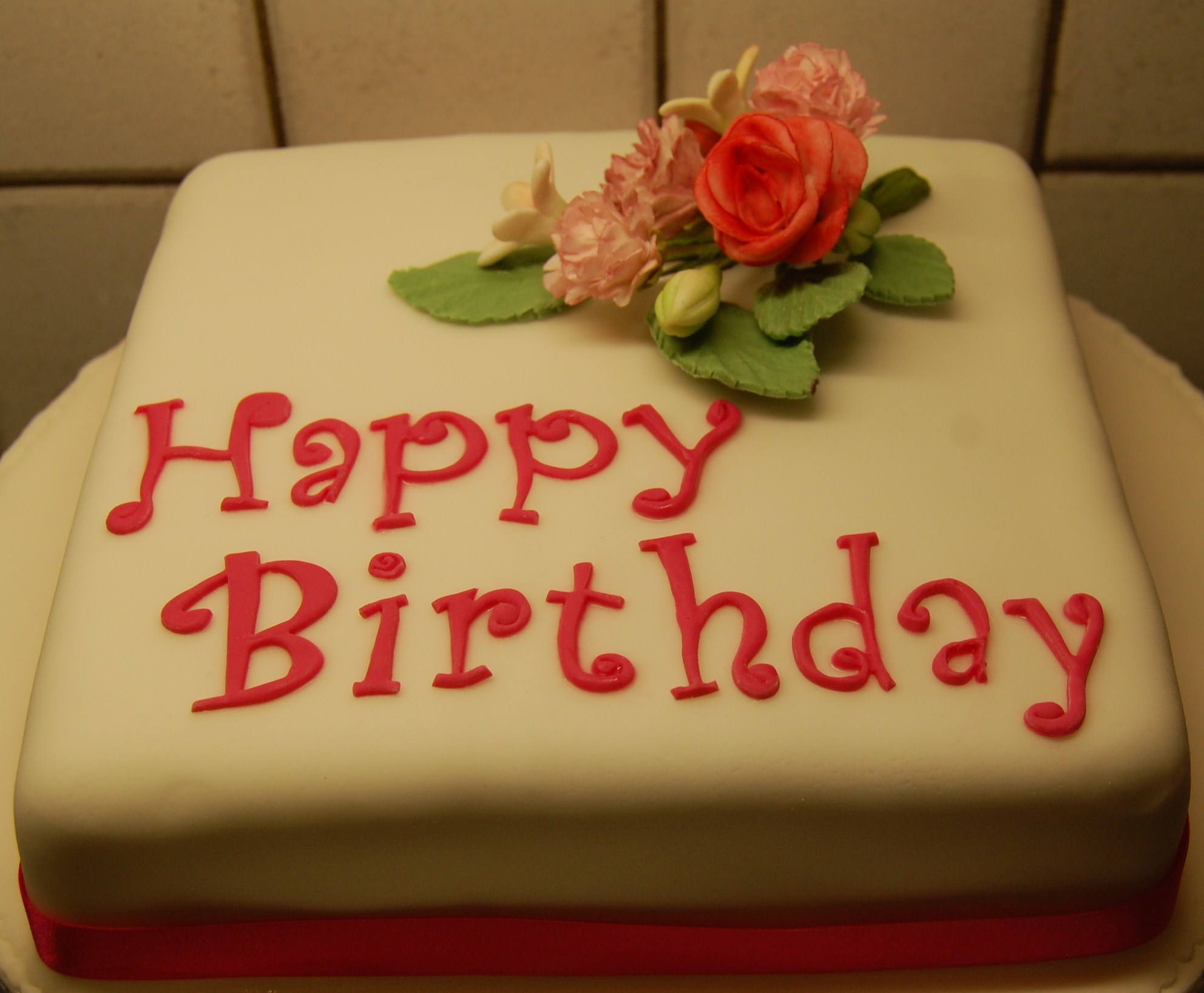 Birthday cake with sugarpaste flowers hours of fun the izmirmasajfo