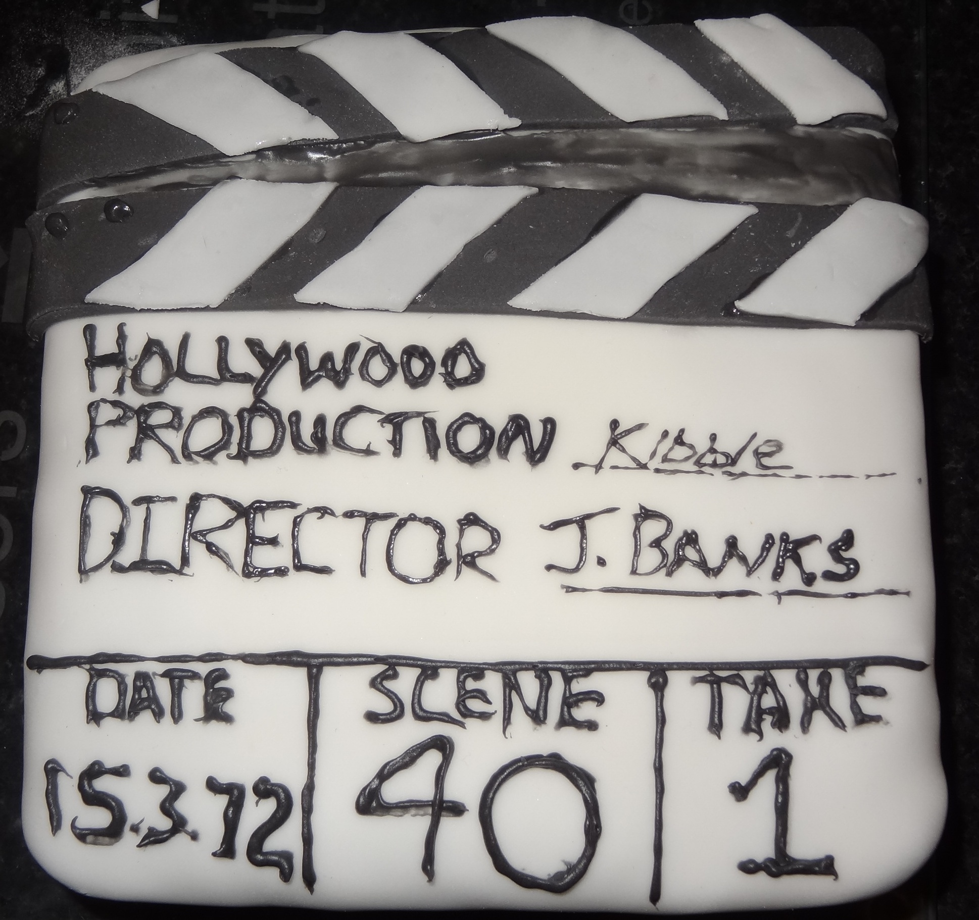 How To Make A Clapboard Cake