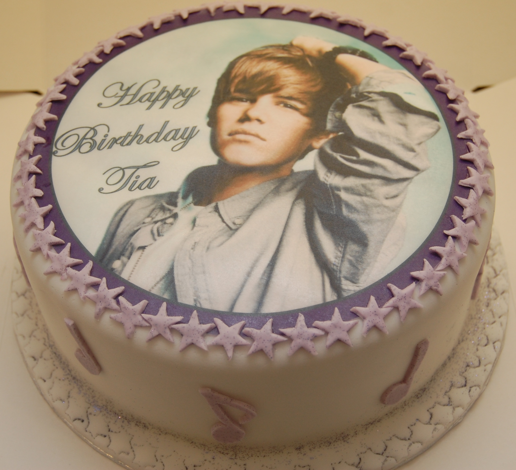 A Special Birthday Cake For A Justin Bieber Fan Hours Of Fun