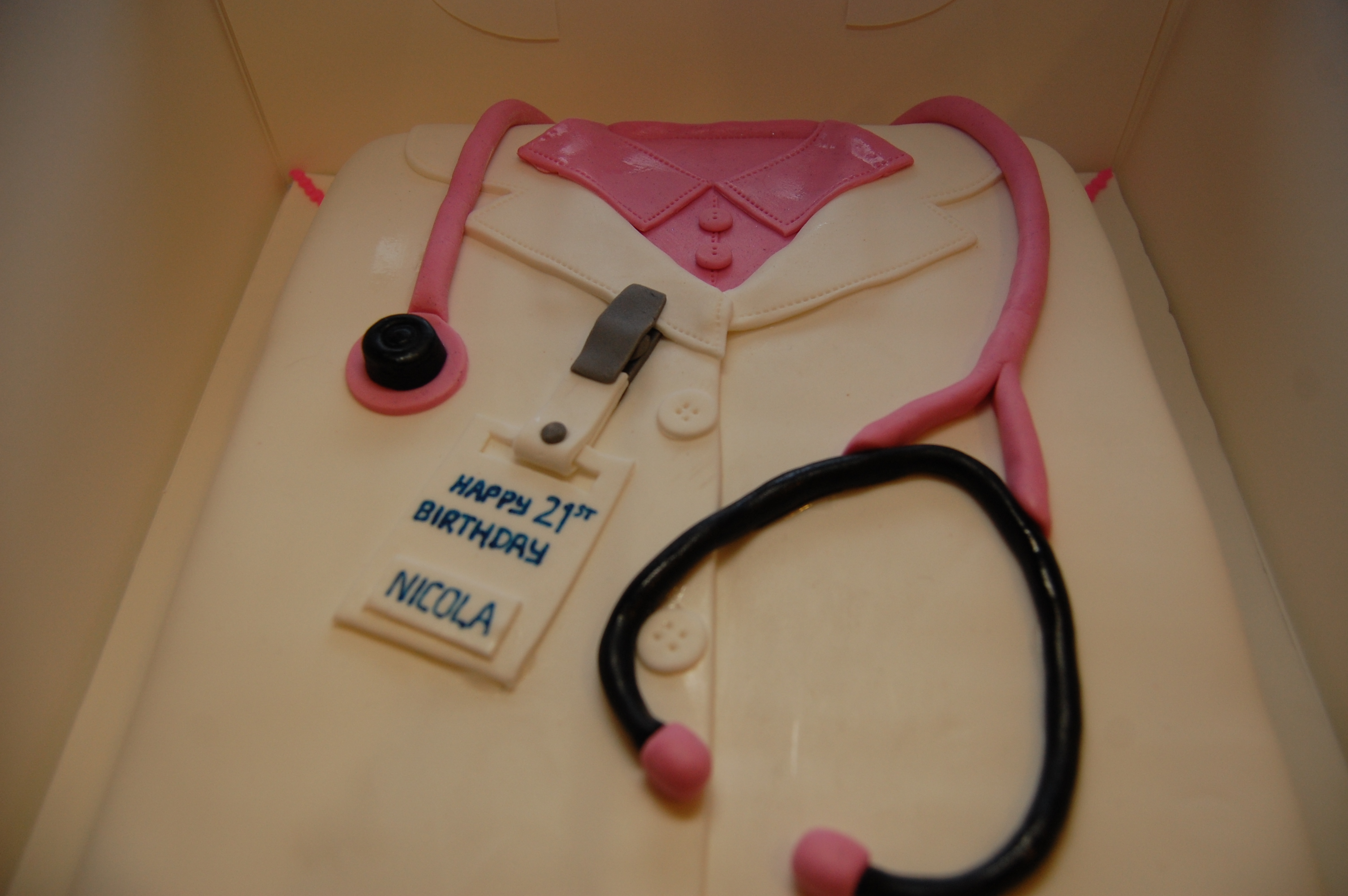A Doctors Coat Birthday Cake For A Very Special 21st Hours Of Fun