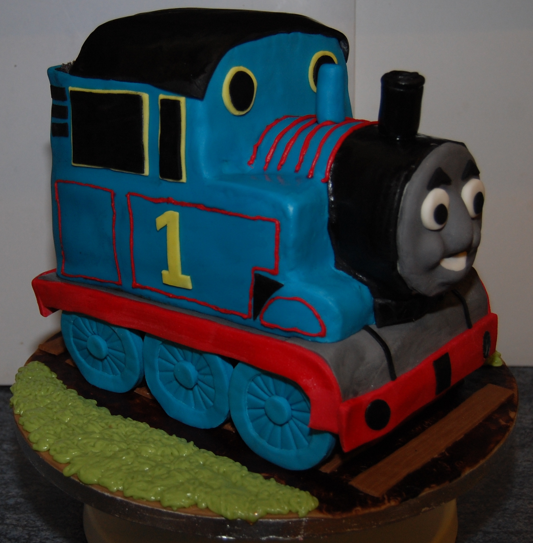 Thomas the Tank Engine Cake | Etoile Bakery