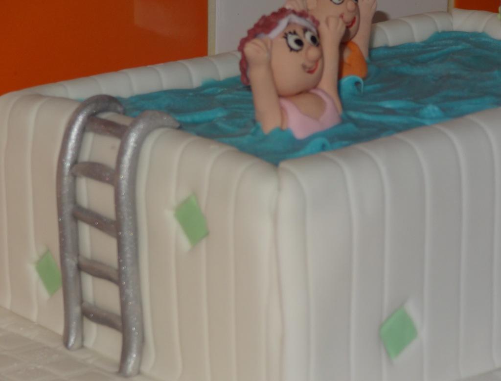 Aqua aerobics 70th birthday cake (5)