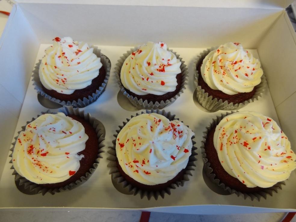 red velvet cupcakes (2)