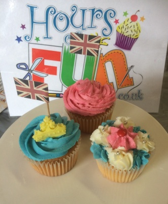 Royal summer fete cupcakes (2)