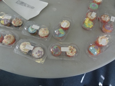 hours of fun cupcake decorating workshop at GEMS croxteth (5)