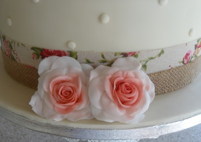 Addie and Ians wedding cake 2 tier pale green and ivory roses (3)