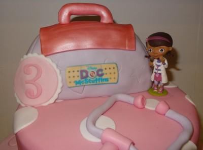 doc mcstuffins 3rd birthday cake (3)