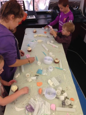 hours of fun cupcake workshop stonedale bus croxteth (1)