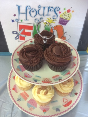 Royal summer fete cupcakes (1)