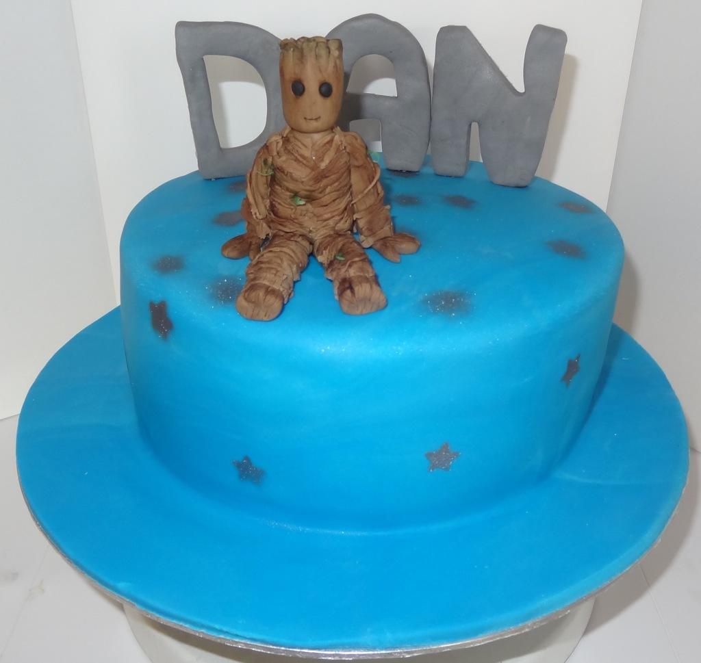I am groot guardians of the galaxy birthday cake (3)