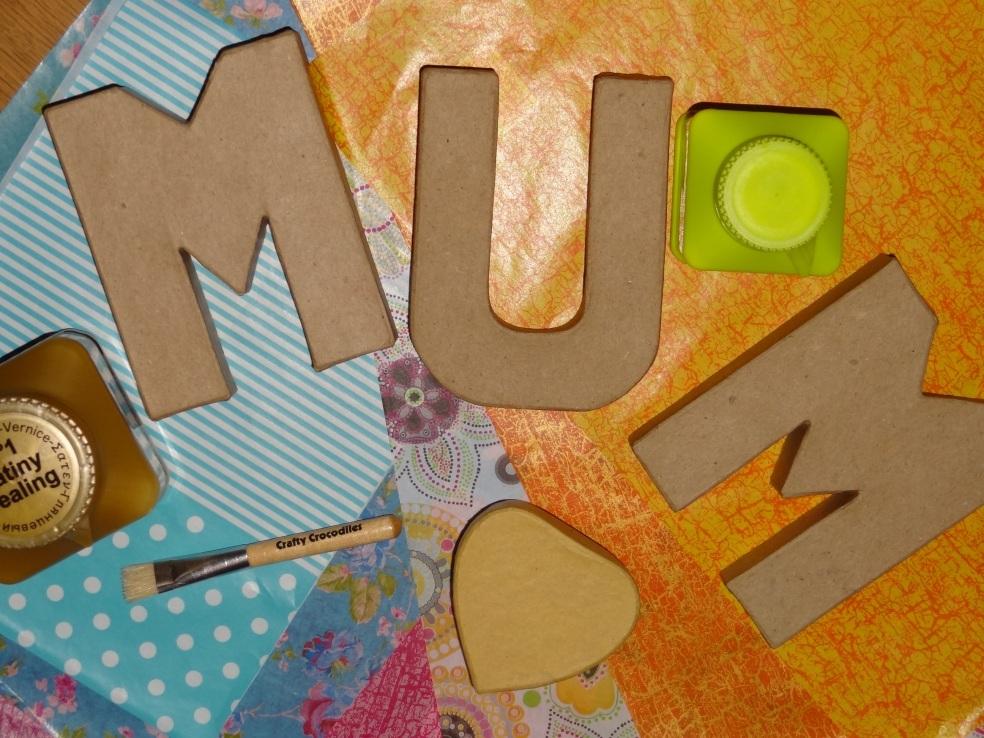 Mum and heart box